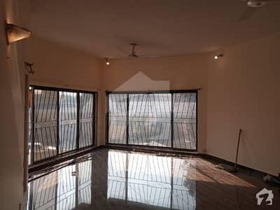 I-8/4 Proper Corner 60*90 Triple Storey Near To Kachnar Park 10.50 Crore Demand