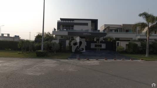 ڈی ایچ اے فیز 5 - بلاک بی فیز 5 ڈیفنس (ڈی ایچ اے) لاہور میں 5 کمروں کا 1 کنال مکان 6.5 کروڑ میں برائے فروخت۔