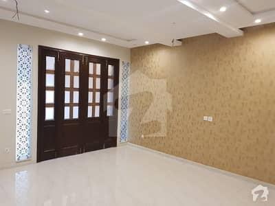 رائل آرچرڈ ملتان پبلک سکول روڈ ملتان میں 4 کمروں کا 10 مرلہ مکان 75 ہزار میں کرایہ پر دستیاب ہے۔