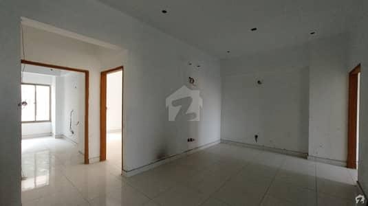 ڈی ایچ اے فیز 6 ڈی ایچ اے کراچی میں 3 کمروں کا 8 مرلہ فلیٹ 2.75 کروڑ میں برائے فروخت۔