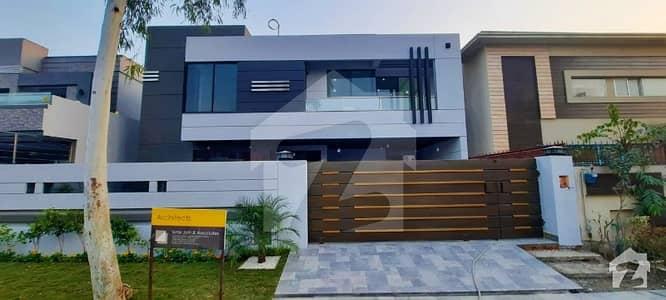 Modern Design 1 Kanal House Is Up For Sale Near Park