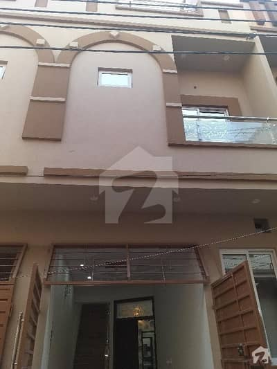 House Of 675  Square Feet In Multan Road Is Available