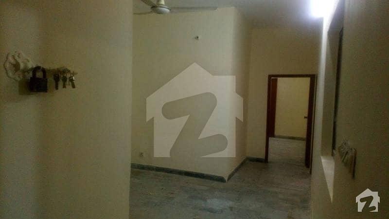 بلوچ کالونی کراچی میں 2 کمروں کا 4 مرلہ فلیٹ 90 لاکھ میں برائے فروخت۔