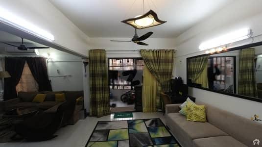 گلشن اقبال - بلاک 10-A گلشنِ اقبال گلشنِ اقبال ٹاؤن کراچی میں 3 کمروں کا 6 مرلہ فلیٹ 1.6 کروڑ میں برائے فروخت۔
