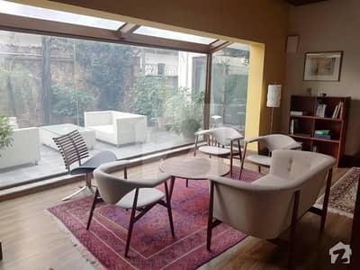 Lavish Brand New Architectural House