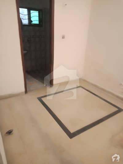 پاک عرب ہاؤسنگ سوسائٹی لاہور میں 1 کمرے کا 3 مرلہ فلیٹ 16 ہزار میں کرایہ پر دستیاب ہے۔