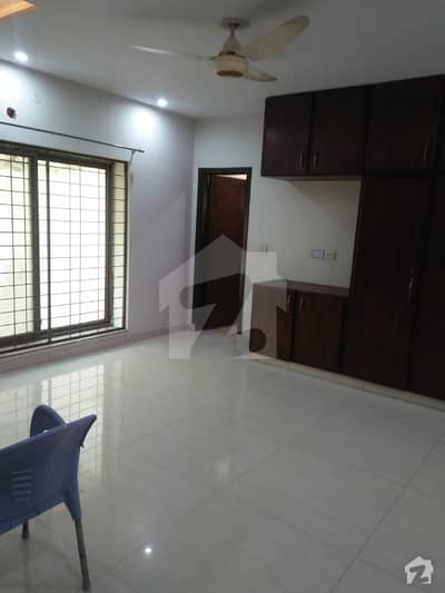 10 Marla Upper Portion For Rent In Bahria Town Lahore