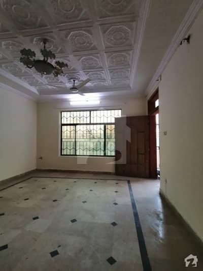 چکلالہ سکیم 3 چکلالہ سکیم راولپنڈی میں 2 کمروں کا 10 مرلہ بالائی پورشن 25 ہزار میں کرایہ پر دستیاب ہے۔