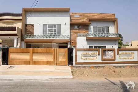 20 Marla Owner Build Prime Bungalow Luxury Triple Storey House For Sale