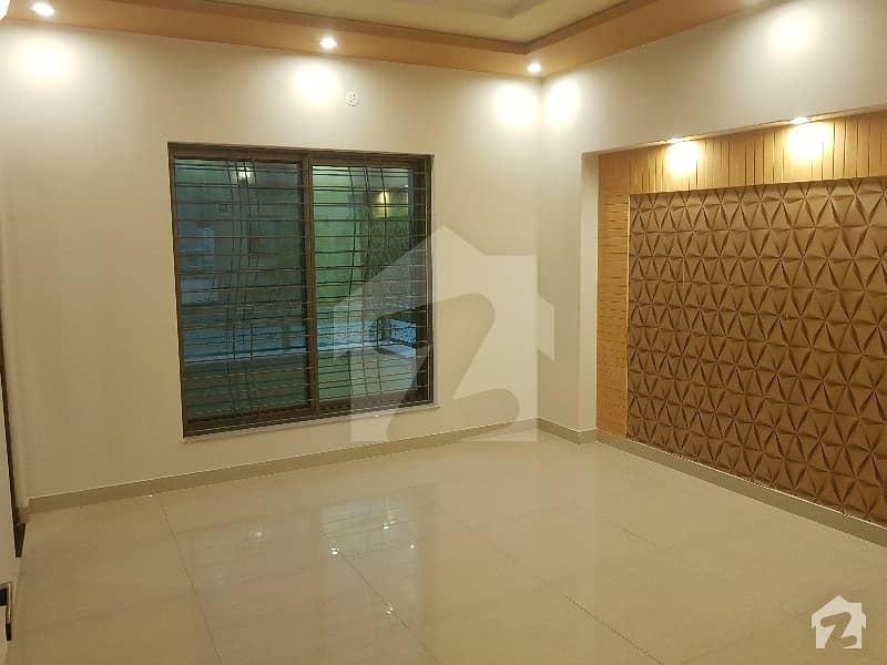 نشیمنِ اقبال فیز 1 نشیمنِ اقبال لاہور میں 6 کمروں کا 10 مرلہ مکان 1.75 کروڑ میں برائے فروخت۔
