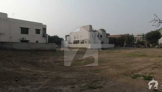 1 Kanal Plot Ghouri Block Near Park Hospital Masjid Main Road Ideal Location