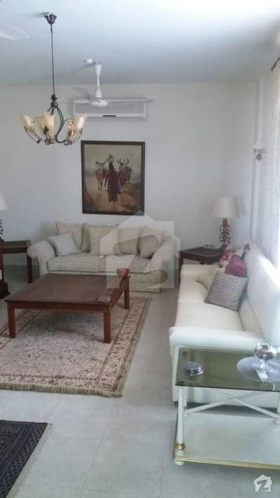 کلفٹن ۔ بلاک 3 کلفٹن کراچی میں 3 کمروں کا 9 مرلہ فلیٹ 1.5 لاکھ میں کرایہ پر دستیاب ہے۔