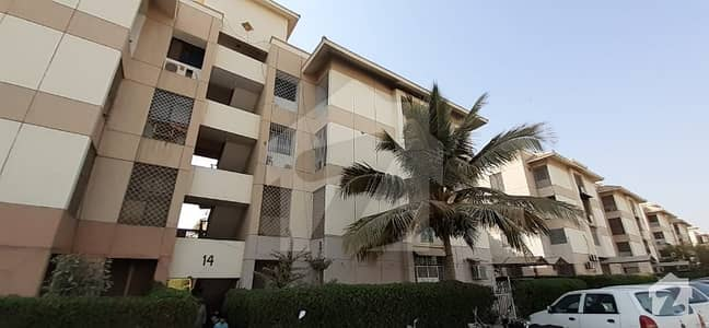 3 Bed DD 3rd Floor  Flat Available For Rent