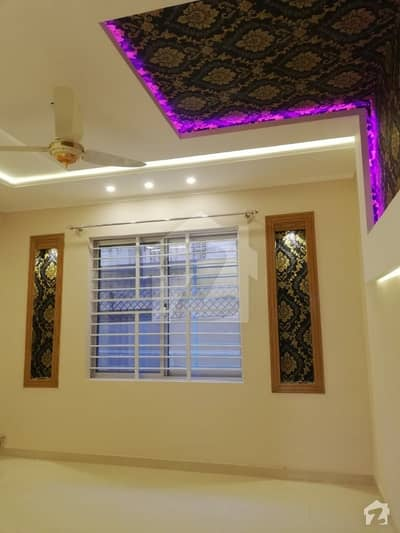 ائیرپورٹ ہاؤسنگ سوسائٹی - سیکٹر 1 ائیرپورٹ ہاؤسنگ سوسائٹی راولپنڈی میں 6 کمروں کا 1 کنال مکان 3.75 کروڑ میں برائے فروخت۔