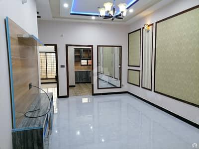 نشیمنِ اقبال فیز 2 نشیمنِ اقبال لاہور میں 5 کمروں کا 6 مرلہ مکان 1.28 کروڑ میں برائے فروخت۔