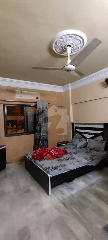 ایم اے جناح روڈ کراچی میں 3 کمروں کا 8 مرلہ فلیٹ 2.1 کروڑ میں برائے فروخت۔