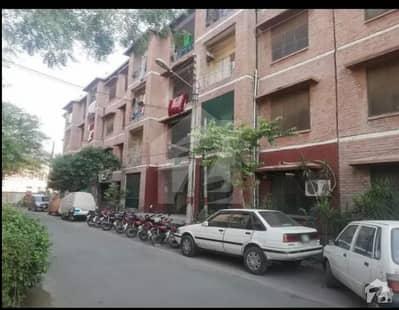 جی ٹی روڈ لاہور میں 2 کمروں کا 4 مرلہ فلیٹ 52 لاکھ میں برائے فروخت۔
