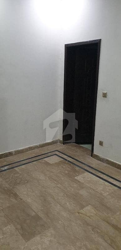 پاک عرب سوسائٹی فیز 1 - بلاک بی پاک عرب ہاؤسنگ سوسائٹی فیز 1 پاک عرب ہاؤسنگ سوسائٹی لاہور میں 1 کمرے کا 2 مرلہ فلیٹ 15 ہزار میں کرایہ پر دستیاب ہے۔