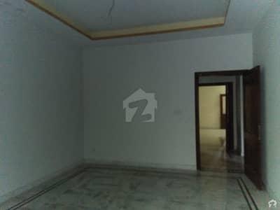 ای ایم ای سوسائٹی ۔ بلاک ڈی ای ایم ای سوسائٹی لاہور میں 4 کمروں کا 5 مرلہ مکان 40 ہزار میں کرایہ پر دستیاب ہے۔