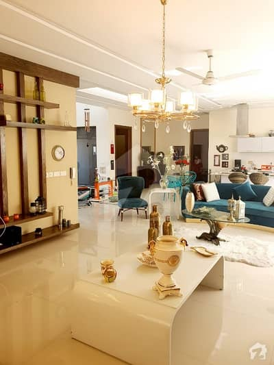 1 Kanal fully Furnished 5 Beds Drawing Dinning lounge