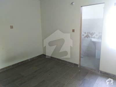 مسلم ٹاؤن لاہور میں 2 کمروں کا 2 مرلہ فلیٹ 42 لاکھ میں برائے فروخت۔