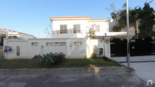 Double Storey House Is Available For Sale In E-11/3 Mpchs