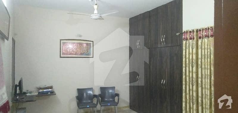 پی آئی بی کالونی کراچی میں 2 کمروں کا 4 مرلہ فلیٹ 72 لاکھ میں برائے فروخت۔