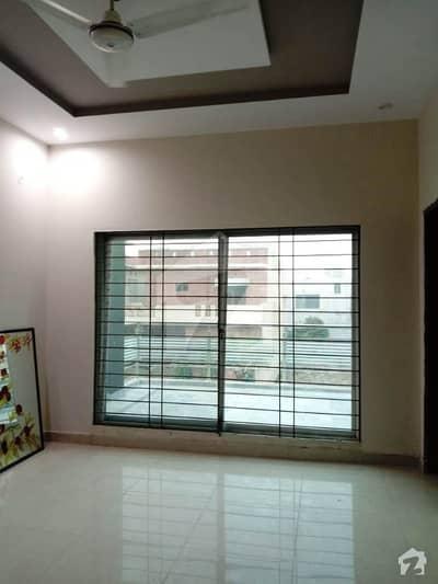 ڈی ایچ اے فیز 8 ڈیفنس (ڈی ایچ اے) لاہور میں 3 کمروں کا 10 مرلہ بالائی پورشن 38 ہزار میں کرایہ پر دستیاب ہے۔