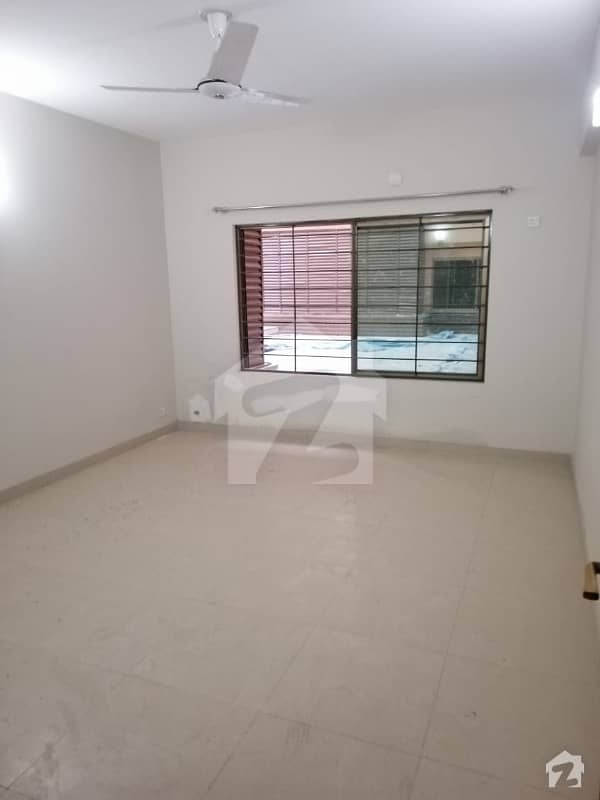 Askari 10 Sector F Brand New Building 3rd Floor Flat Four Bed Urgent For Sale