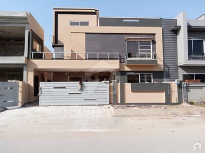 2800 Square Feet Upper Portion For Sale In Media Town