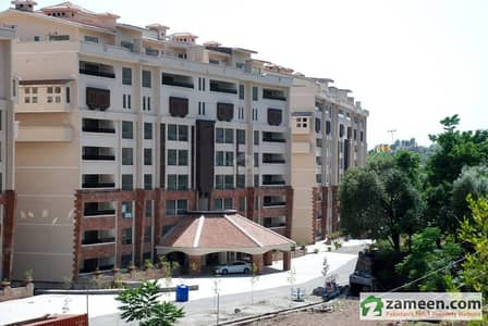 2200 Sq. Feet Flat For Sale In Country Club Apartments Islamabad