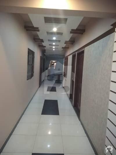 کوسموپولیٹن سوسائٹی کراچی میں 4 کمروں کا 9 مرلہ بالائی پورشن 4.25 کروڑ میں برائے فروخت۔