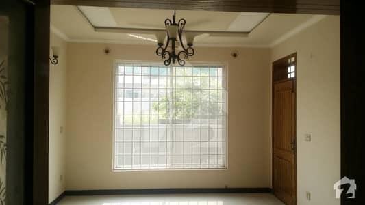 جی ۔ 13 اسلام آباد میں 4 کمروں کا 8 مرلہ مکان 1.1 لاکھ میں کرایہ پر دستیاب ہے۔