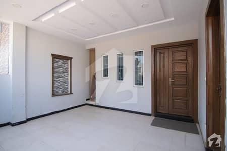 جی ۔ 13/2 جی ۔ 13 اسلام آباد میں 2 کمروں کا 8 مرلہ زیریں پورشن 50 ہزار میں کرایہ پر دستیاب ہے۔