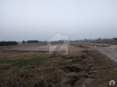 120 Sq Yards Plot Sector 17 Block 2 Good Location