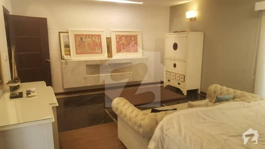 ایف ۔ 10 اسلام آباد میں 3 کمروں کا 10 مرلہ فلیٹ 4.25 کروڑ میں برائے فروخت۔