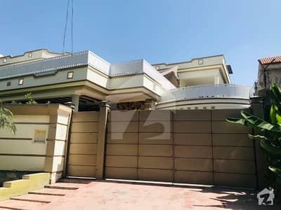 حیات آباد فیز 1 حیات آباد پشاور میں 9 کمروں کا 1.1 کنال مکان 6.9 کروڑ میں برائے فروخت۔
