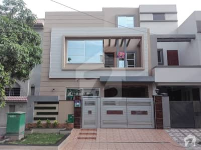 5 Marla Lavish House for Rent in AA Block Bahria Town Lahore