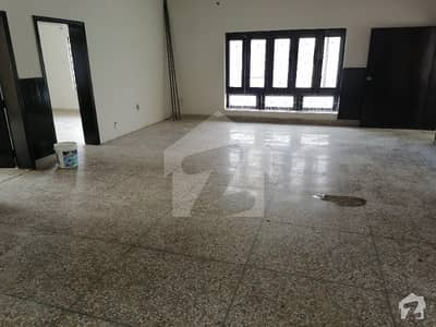 F 10 Upper Portion 3 Beds Drawing Dinning Separate Gate Rent 90000