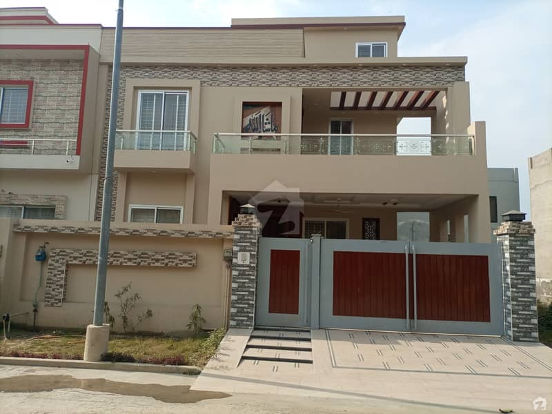 10 Marla House In DC Colony Is Available