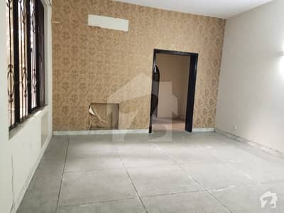 Lavish Location 2 Kanal Lower Portion Are Available For Rent In Phase 2