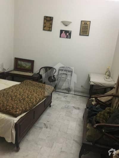 گلشنِ راوی لاہور میں 4 کمروں کا 2 مرلہ مکان 25 ہزار میں کرایہ پر دستیاب ہے۔