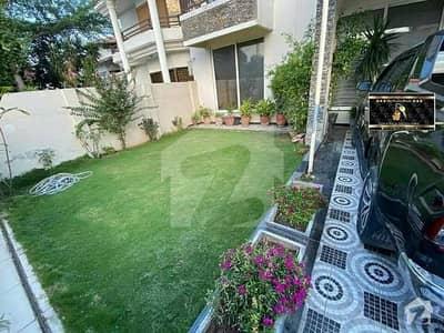 ایف ۔ 10 اسلام آباد میں 5 کمروں کا 1.11 کنال مکان 10.5 کروڑ میں برائے فروخت۔