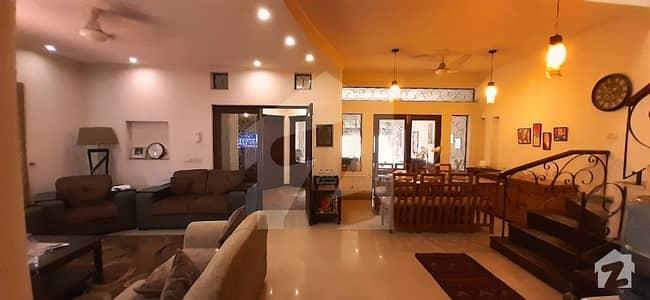 ڈی ایچ اے فیز 4 - بلاک ڈبل جی فیز 4 ڈیفنس (ڈی ایچ اے) لاہور میں 4 کمروں کا 10 مرلہ مکان 1 لاکھ میں کرایہ پر دستیاب ہے۔