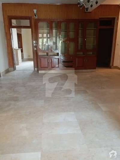 G11 2 Prime Location Beautiful New 356 Yds Ground Portion Available For Rent Complete Marble Flooring 3 Bed Rooms 3 Bath Rooms