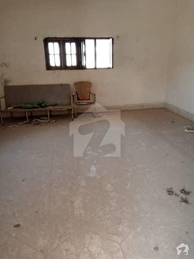پی ای سی ایچ ایس بلاک 2 پی ای سی ایچ ایس جمشید ٹاؤن کراچی میں 10 کمروں کا 2 کنال مکان 8 لاکھ میں کرایہ پر دستیاب ہے۔