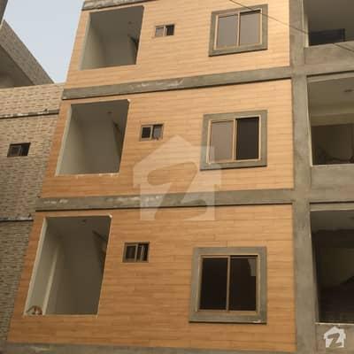 جیل روڈ لاہور میں 1 کمرے کا 2 مرلہ کمرہ 9 ہزار میں کرایہ پر دستیاب ہے۔
