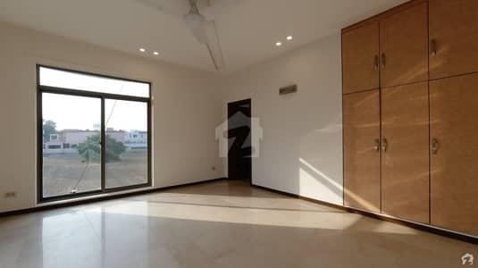ڈی ایچ اے فیز 5 - بلاک ایف فیز 5 ڈیفنس (ڈی ایچ اے) لاہور میں 6 کمروں کا 1 کنال مکان 6.5 کروڑ میں برائے فروخت۔