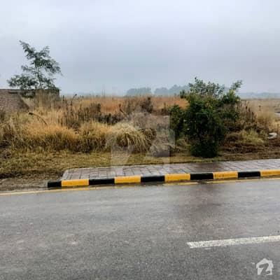 یونیورسٹی ٹاؤن اسلام آباد میں 10 مرلہ رہائشی پلاٹ 64.5 لاکھ میں برائے فروخت۔