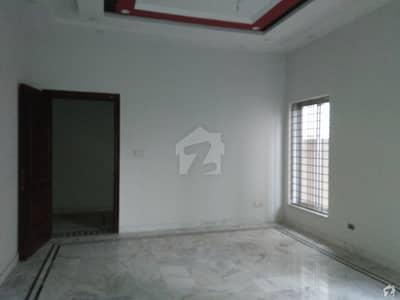 ای ایم ای سوسائٹی ۔ بلاک ڈی ای ایم ای سوسائٹی لاہور میں 5 کمروں کا 1 کنال مکان 1.4 لاکھ میں کرایہ پر دستیاب ہے۔